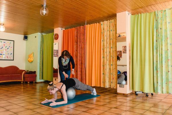 Rückbildungsgymnastik - nachhaltig den Beckenboden stärken